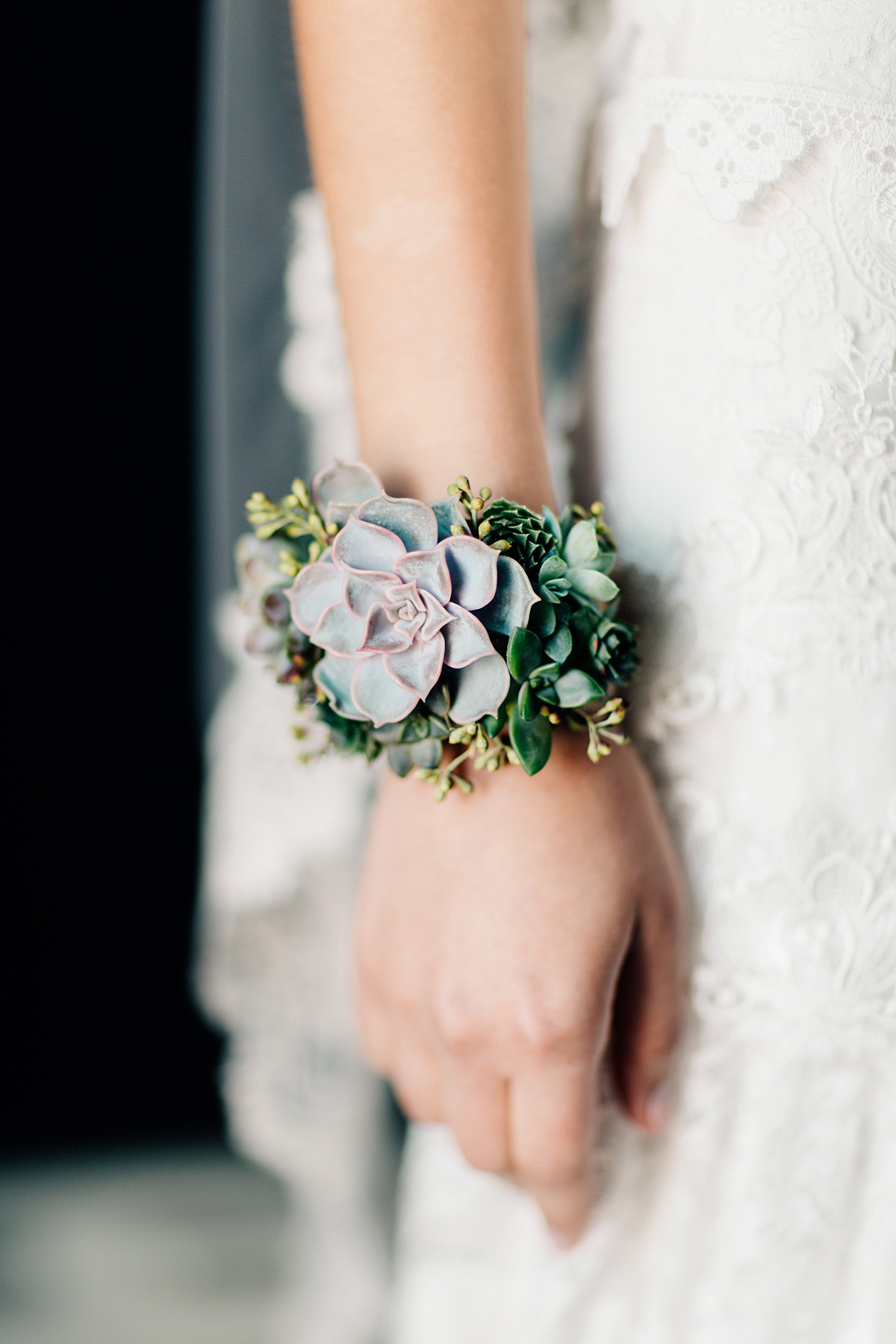 live-succulent-jewlery-columbus-ohio-bridal-shoot-51