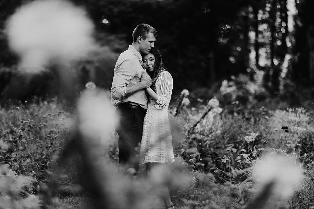 ann-arbor-michigan-foggy-morning-engagement-session-nichols-arboretum-18