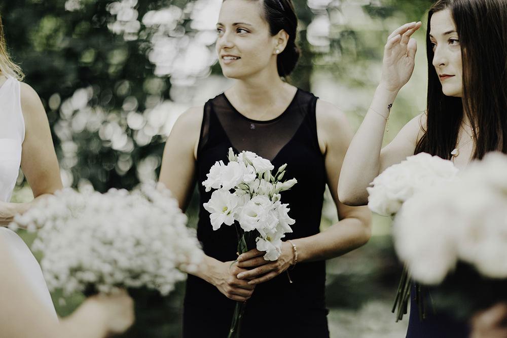 lake-erie-airbnb-backyard-wedding-cleveland-ohio-020