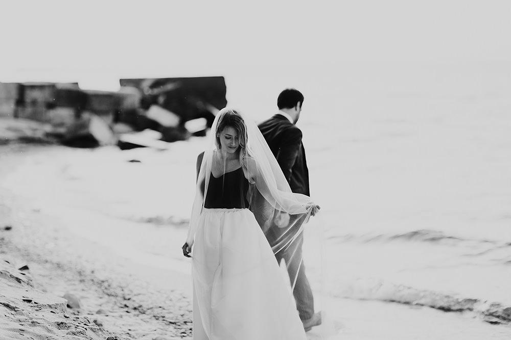 lake-erie-airbnb-backyard-wedding-cleveland-ohio-071