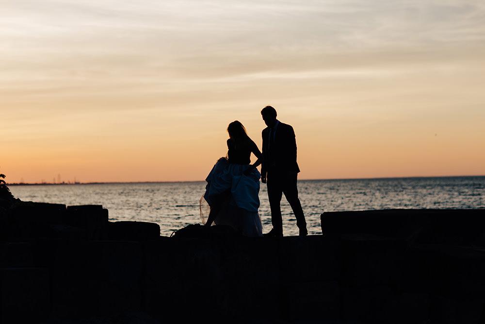lake-erie-airbnb-backyard-wedding-cleveland-ohio-076