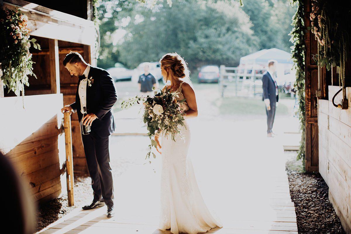 Cleveland-farm-backyard-wedding-055