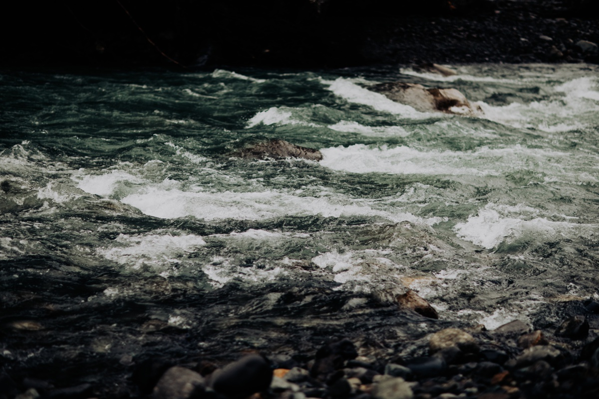 Wenatchee-national-forest-engagement-session-photographer-009.jpg