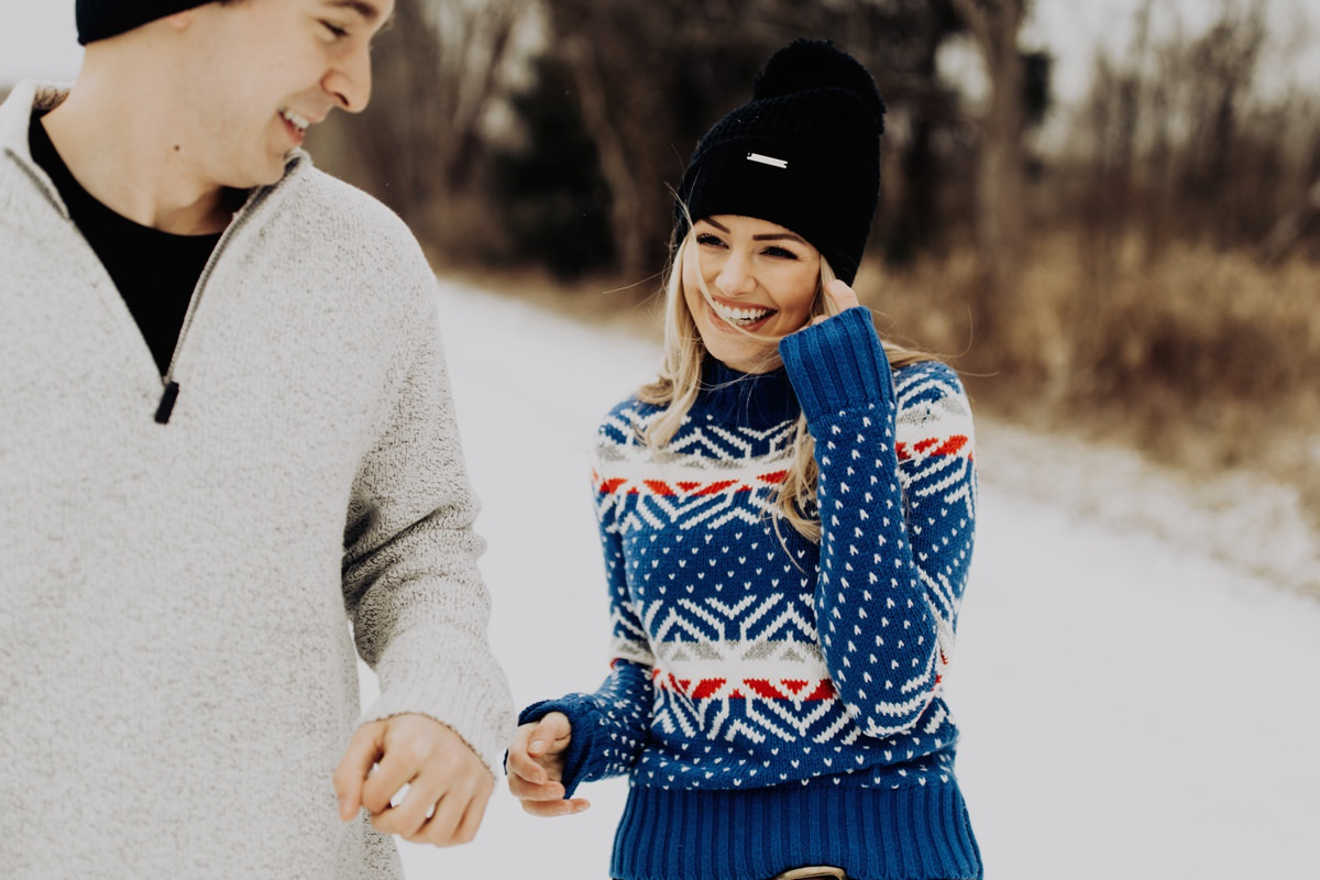 cute-winter-engagement-session-001.jpg