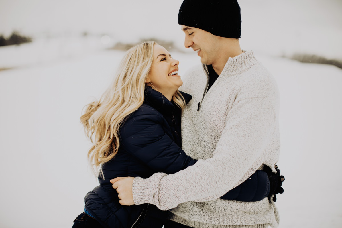 cute-winter-engagement-session-007.jpg