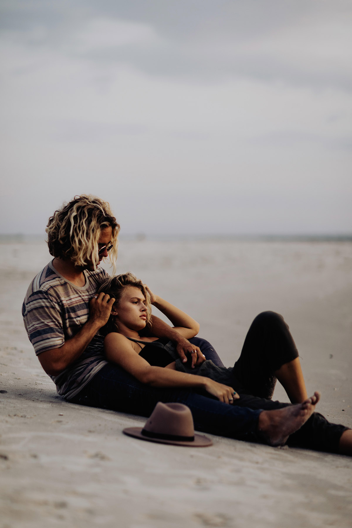 wilmington-beach-north-carolina-photographer-surfer-couple-015.jpg